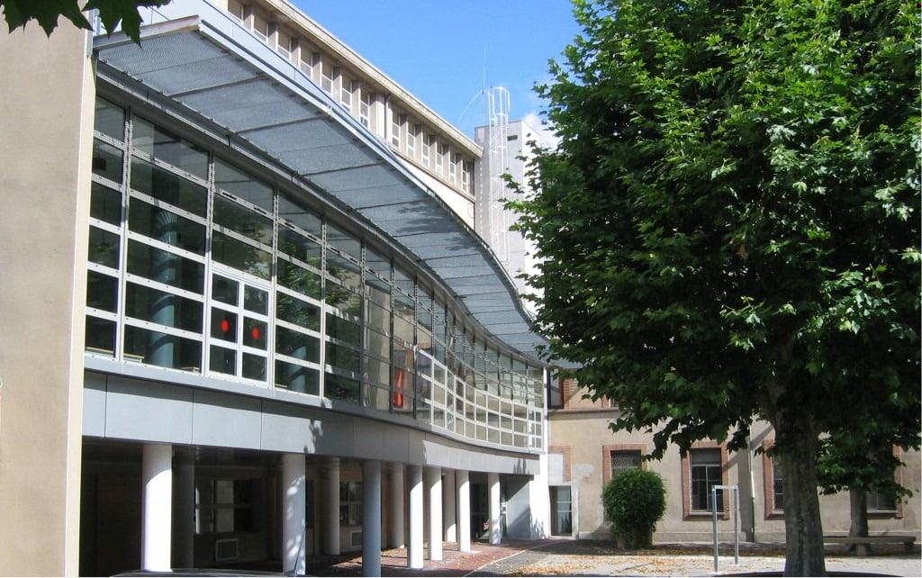 Une photo di CDI du lycée Fermat